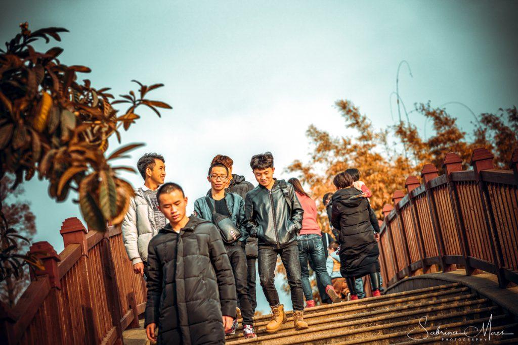 ©Sabrina Maes, Dalian Lake, Plaatselijke jeugd, Kunming